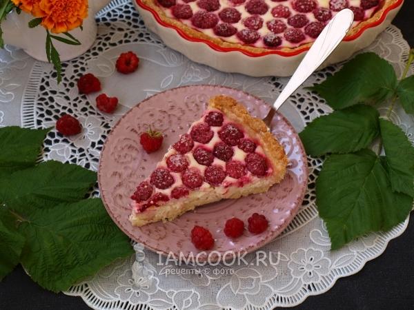 Фото пирога с малиной и творогом