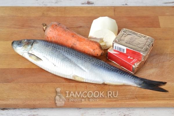 Ингредиенты для ложной икры из сельди и моркови