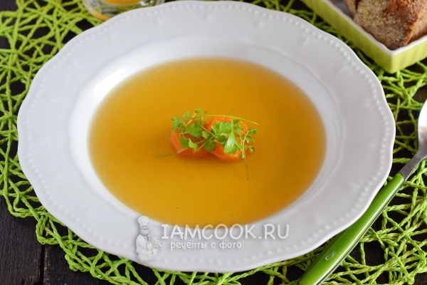 суп консоме из курицы