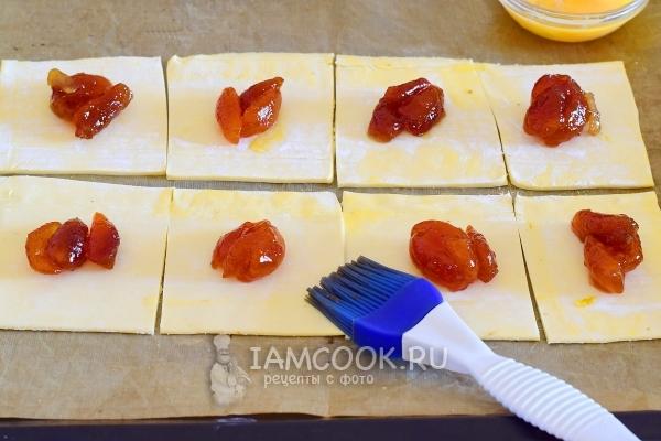 Слойки с джемом в духовке - рецепт пошаговый с фото