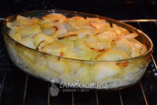 минтай с картофелем в духовке