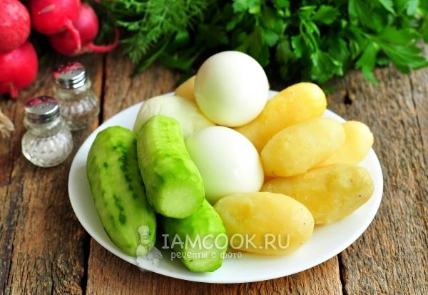 Отварить картофель и яйца