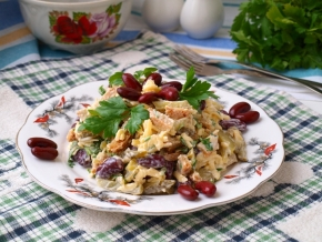 Как сделать салат из фасоли и сухариков фото 346