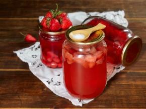 компот из ягод с лимонной кислотой на зиму рецепт