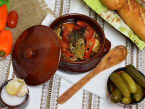 Жаркое по-домашнему в горшочках — рецепт с фото пошагово