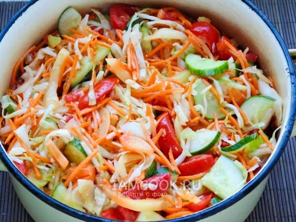 Переложить овощи в кастрюлю