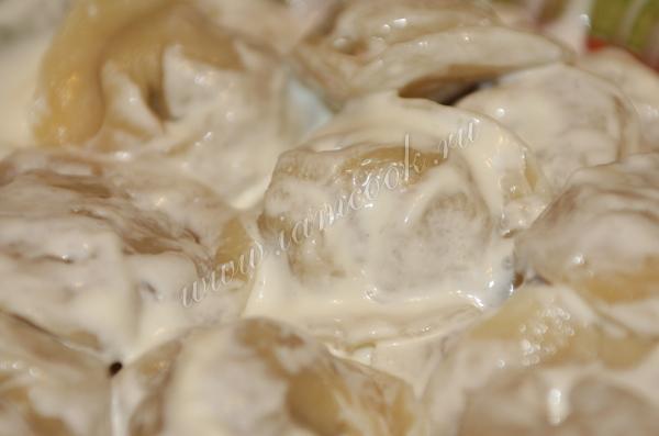 Фото пельменей со сметаной