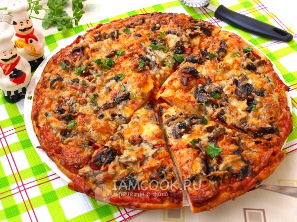рецепт пиццы с грибами колбасой и сыром