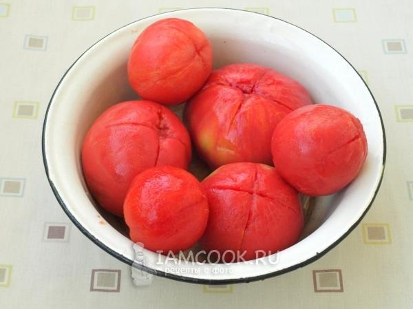 Снять с помидора кожицу