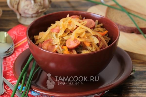 Капустная солянка с сосисками - рецепт с фото