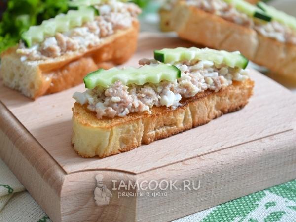Бутерброды из печени трески с огурцом рецепты